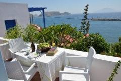 Rent a Car in Karpathos Alkioni hotel Finiki